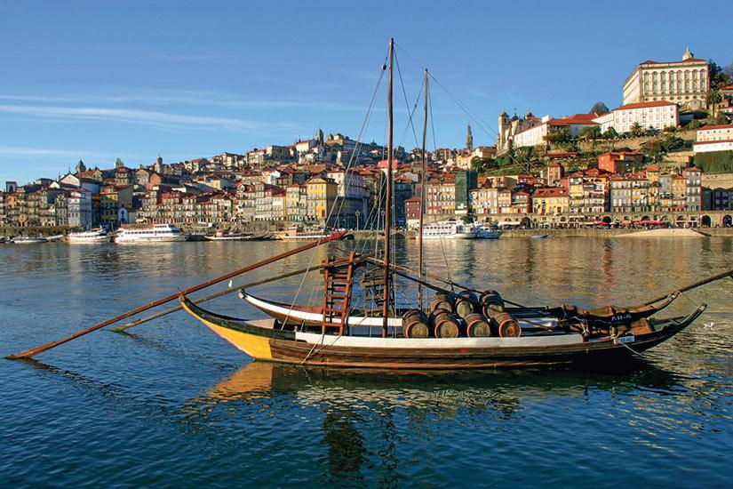image Portugal Pixmac bateaux au douro de la riviere a Porto  it