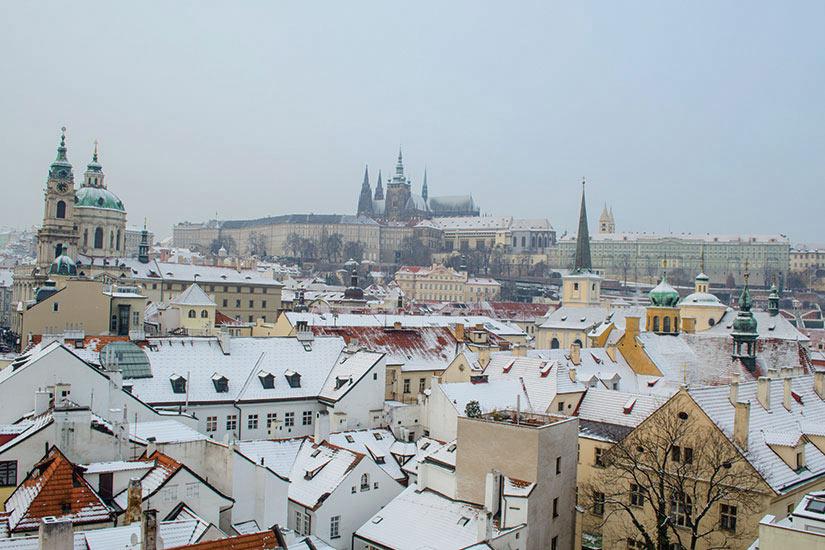 image Republique Tcheque Prague vue aerienne en hiver  fo