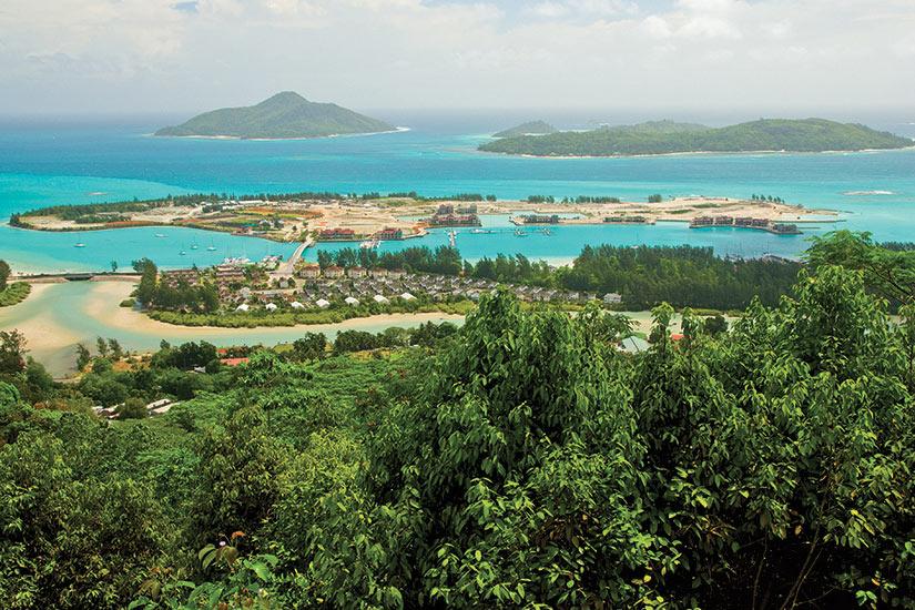 image Reunion Seychelles Ile Mahe mahe les mamelles  fo