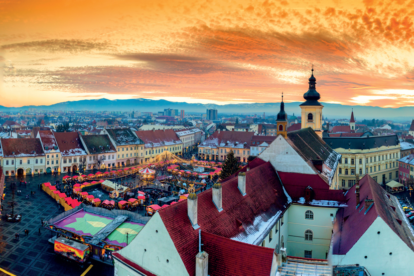 image Roumanie sibiu transylvanie vue panoramique place centrale ville hermannstadt 35 as_130620138