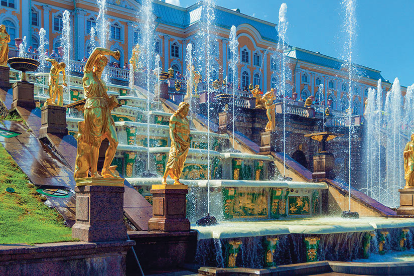 image Russie Saint Petersbourg Palais Peterhof Fontaines  fo