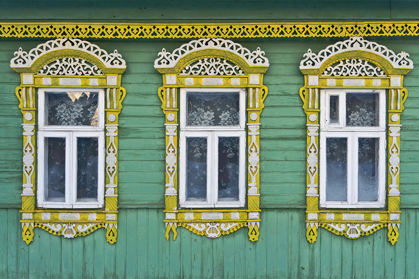 image Russie Souzdal Fenetres avec cadre en bois sculpte 68 as_72460044