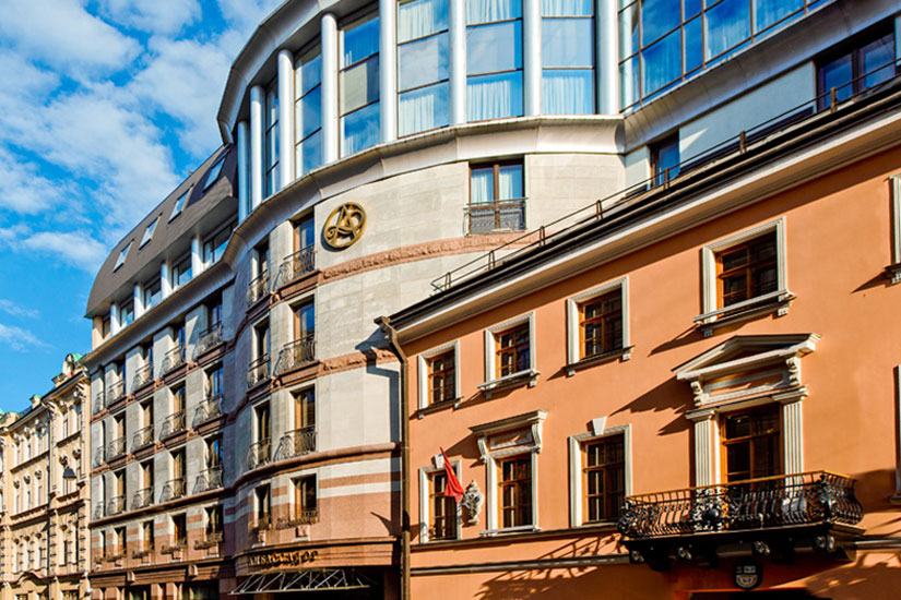 image Russie saint petersbourg hotel ambassador facade