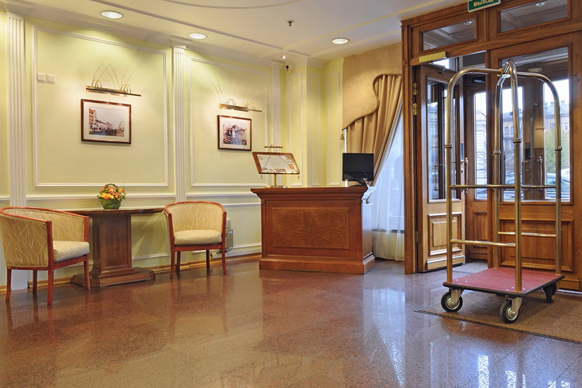 s jour st petersbourg en russie majestueuse saint p tersbourg h tel dostoevsky 4 7. Black Bedroom Furniture Sets. Home Design Ideas