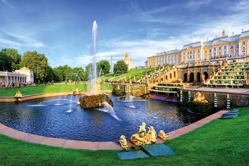 image Russie saint petersbourg vue panoramique palais peterhof 93 fo_120591181