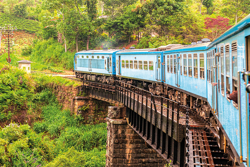 image Sri Lanka Train de Nuwara Eliya a Kandy parmi les plantations de the 23 as_249085617