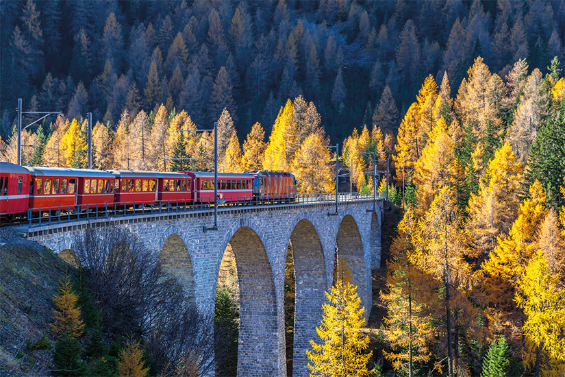 image Suisse train Bernina Express sur le viaduc de Landwasser 08 as_99205290