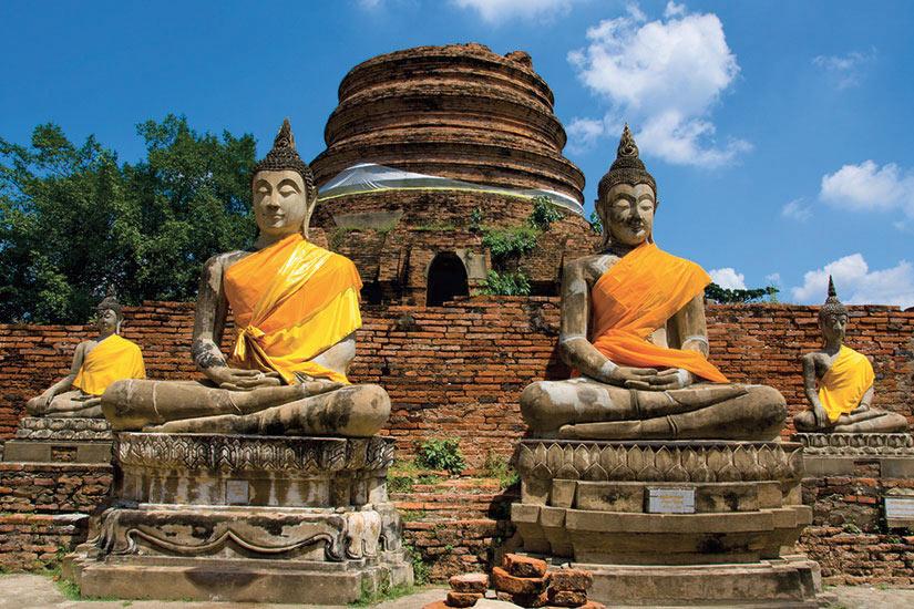 image Thailande Ayutthaya temple Bouddhas  it