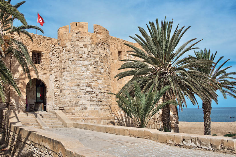 image Tunisie Djerba Bordj Ghazi Mustapha citadelle  it