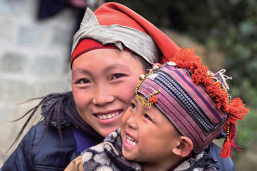 image vietnam sapa femme hmong et enfant it