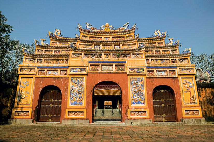 image Vietnam citadelle hue violet interdit  it