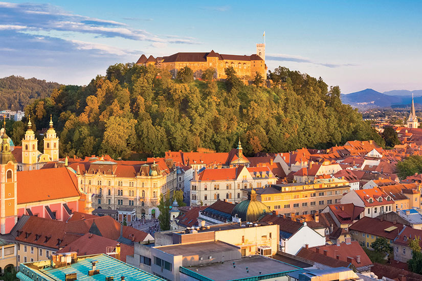 image Yougoslavie Slovenie panorama de Ljubljana  it