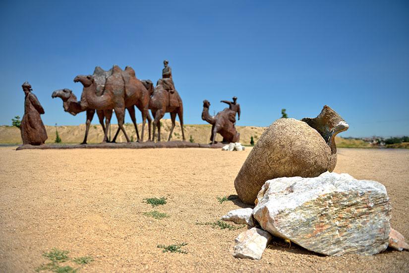 image caravane chameaux desert argile  fo