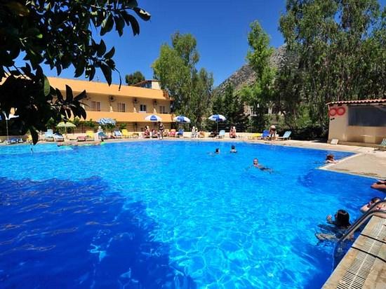 Jours chaigneau voyages for Club piscine canada