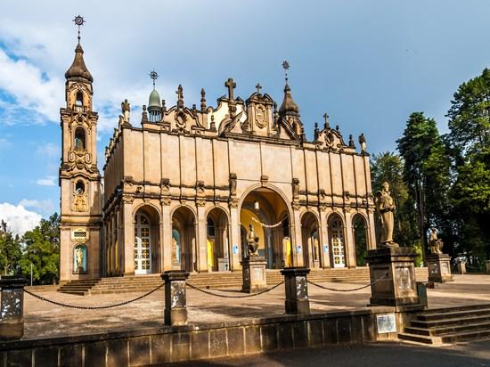 image ethiopie addis abeda cathedrale sainte trinite
