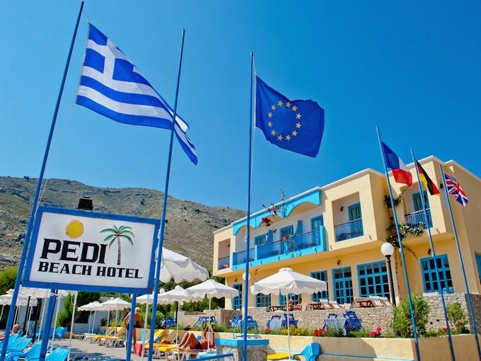image grece rhodes symi hotel pedi beach drapeaux