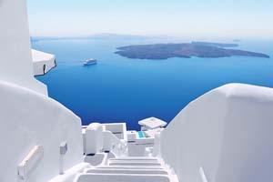 blanc escaliers et mediterranee mer vue sur santorin grece 80 it_528893342