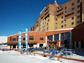 france alpe huez les bergers hotel facade