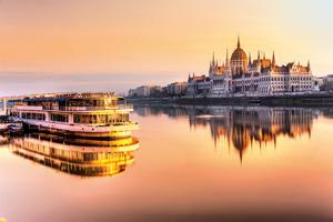 hongrie budapest parlement au lever du soleil 42 as_96429677