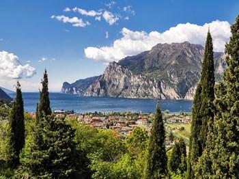 italie lac de garde vue ensemble