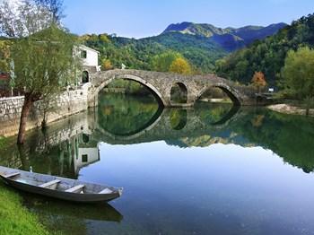 montenegro rijeka crnojevica pont