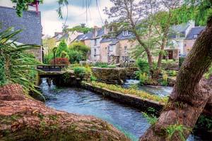 vignette Paysage idyllique a Pont Aven une commune dans le Finistere departement de Bretagne au nord ouest France 87 it_824150284