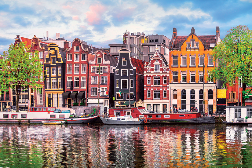(image) image Amsterdam Pays Bas maisons de danse sur riviere Amstel repere 55 as_153221462