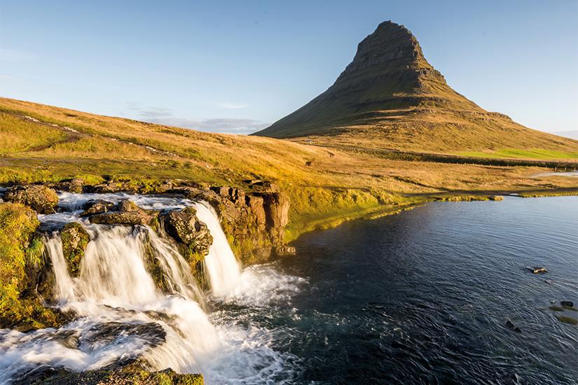 (image) image Beruhmter Wasserfall des Kirkjufellsfoss bei Grundafjordur auf der Snaefellsnes Halbinsel 47 as_167473970