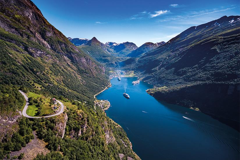 (image) image Fjord de Geiranger Norvege 11 fo_120403400