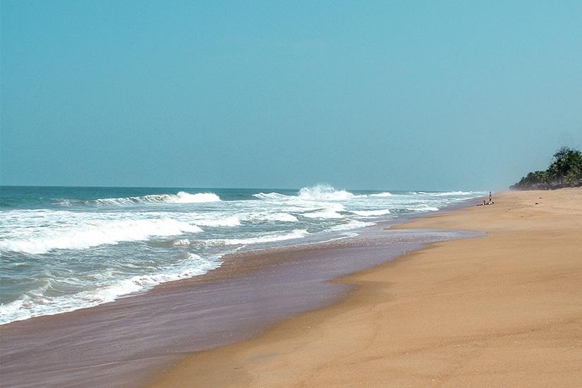 (image) image cote ivoire bassam plage 01 as_344391