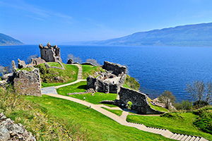 angleterre loch ness ruines chateau urquhart  fo