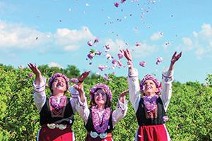 bulgarie filles festival rose  fo