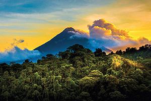 costa rica volcan arena au lever du solei  fo