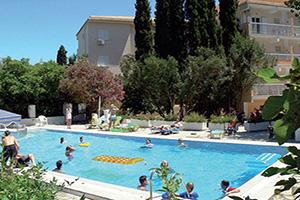 grece ipsos plage piscine