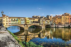 italie florence ponte vecchio avec la riviere arno  fo