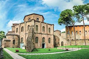 italie ravenne celebre basilica di san vitale  fo