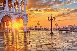 italie venise piazza san marco au lever du soleil  fo