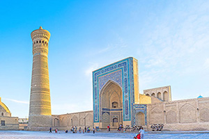 circuit ouzbekistan bukhara great minaret  it