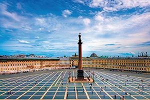 russie saint petersbourg monument la colonne alexander place du palais  it