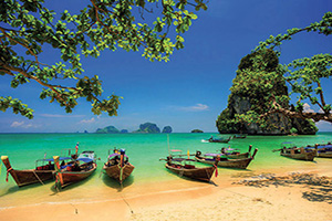 thailande phuket bateau dans la baie  it