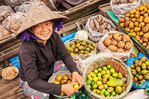 vietnam fleuve mekong femme vente marche flottant  it