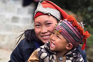 circuit vietnam sapa heureuse femme enfant  it