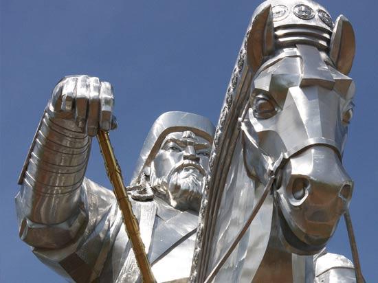 voyage mongolie statue gengis khan