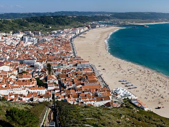 circuit l 39 essentiel du portugal portugal avec voyages leclerc national tours ref 401431. Black Bedroom Furniture Sets. Home Design Ideas