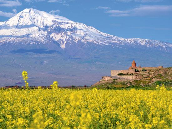 (Image) armenie mont ararat monastere khor virap  fotolia