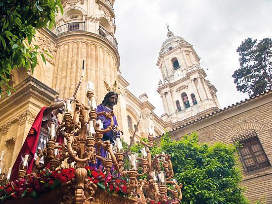 (Image) espagne andalousie seville procession semaine sainte  fotolia