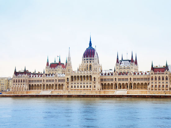 hongrie budapest parlement  fotolia