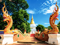 mini thailande wat phra that doi suthep  fotolia
