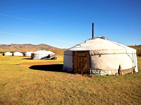mongolie dugana camp  fotolia