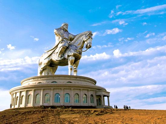 (Image) mongolie statue ghengis khan  fotolia